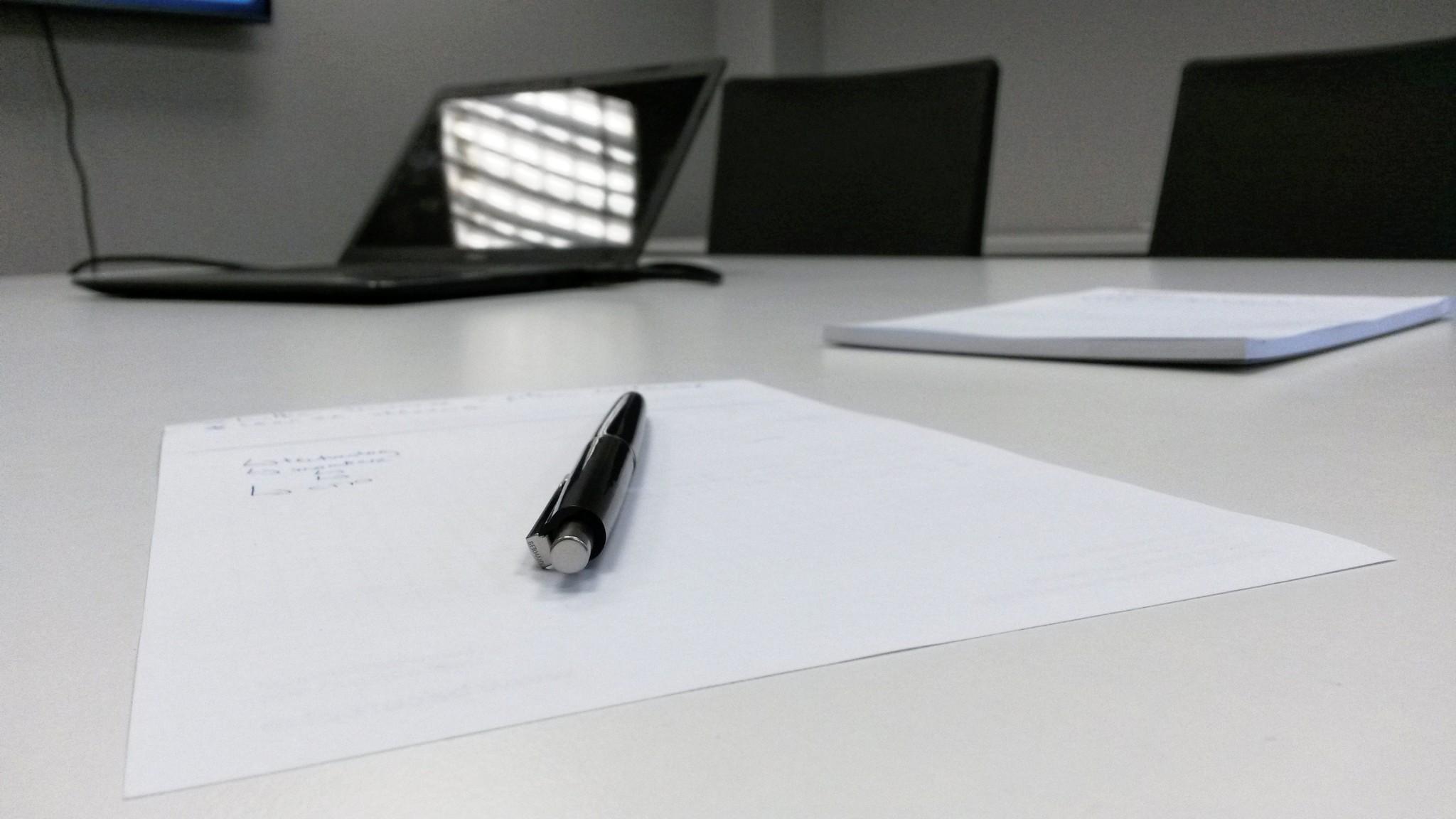 desk-meeting-pencil-77962